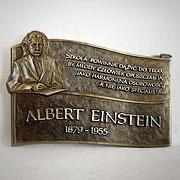 Patron szkoły Albert Einstein